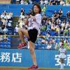 氷川きよし、神宮球場で4年連続始球式 ノーバン投球「99点」 | ORICON NEWS